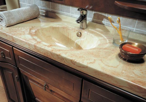 Столешницы из искусственного камня в ванной
